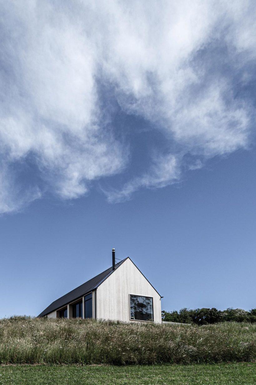 Coastal Banks Peninsular House - Vulcan Cladding in Sioox finish - Abodo Wood