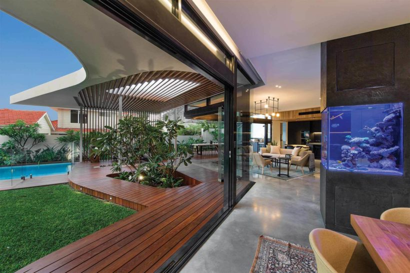 Andrews Luxury Home Vulcan Cladding and Vulcan Screening Abodo Wood 5