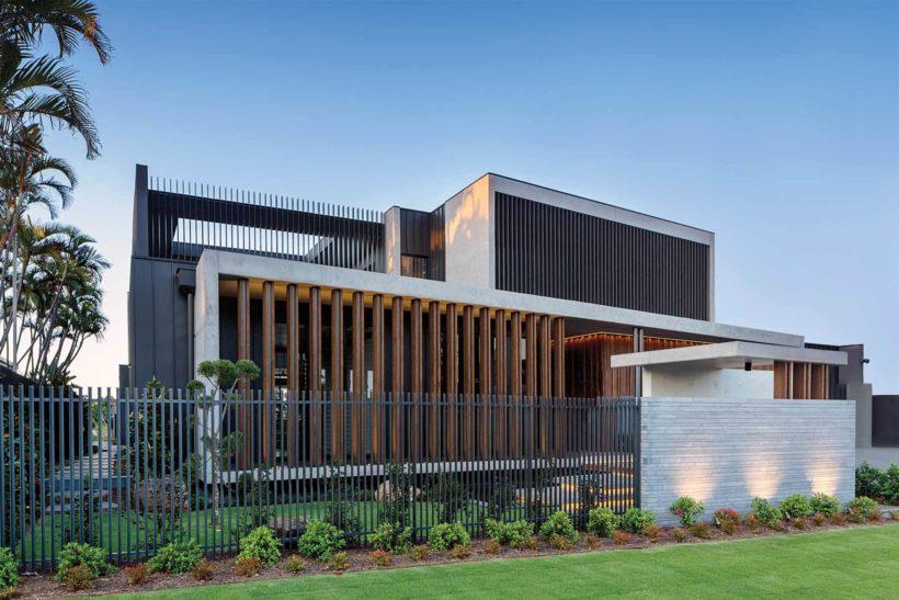 Minyama Luxury Home - Vulcan Cladding and Vulcan Screening - Abodo Wood