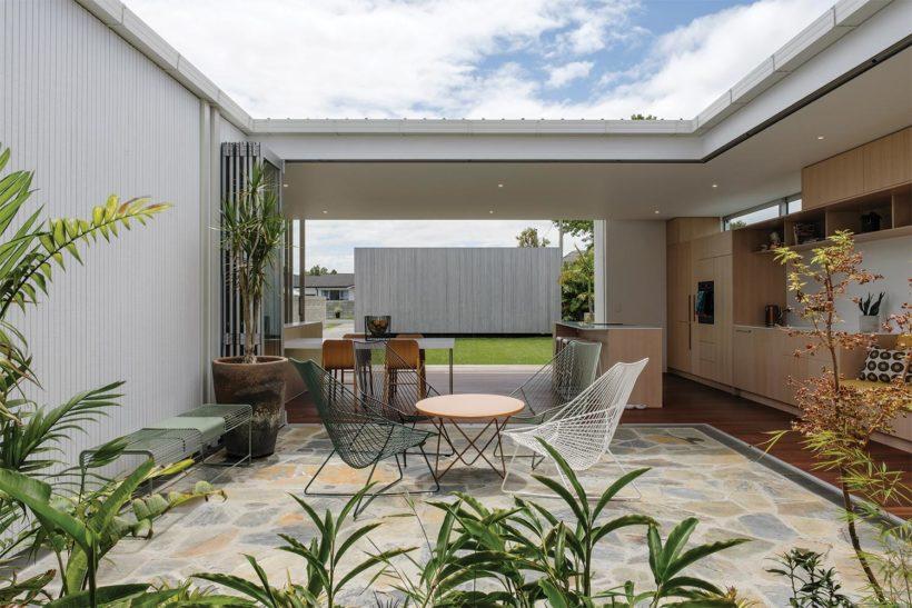 Shane Kingsbeers Gisborne home and studio Vulcan timber Abodo Wood 3